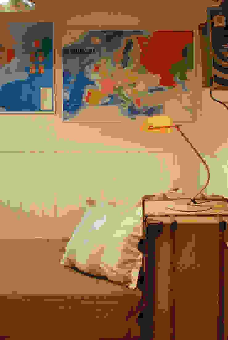 Industrial style nursery/kids room by Vicente Galve Studio Industrial
