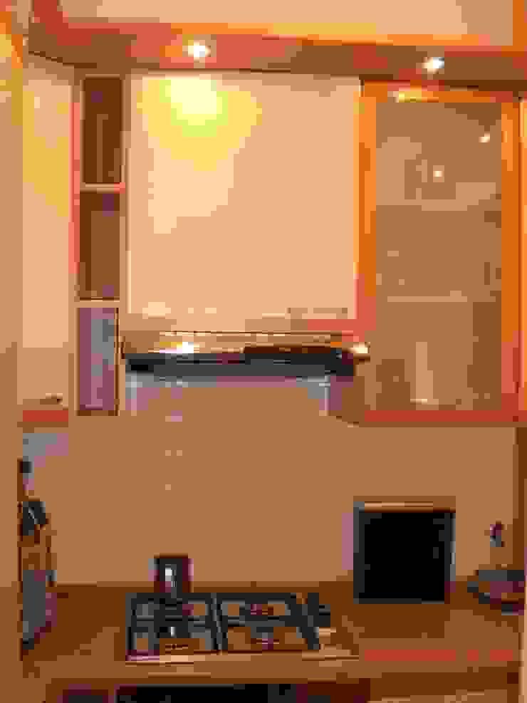 PRIMA: il cucinotto di sistemarredi di anna cavezzali Moderno