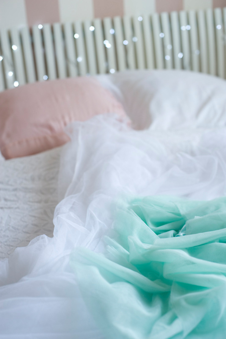 Pokój Basi – romantyczne pastele. Klasyczny pokój dziecięcy od Miśkiewicz Design For Kids Klasyczny