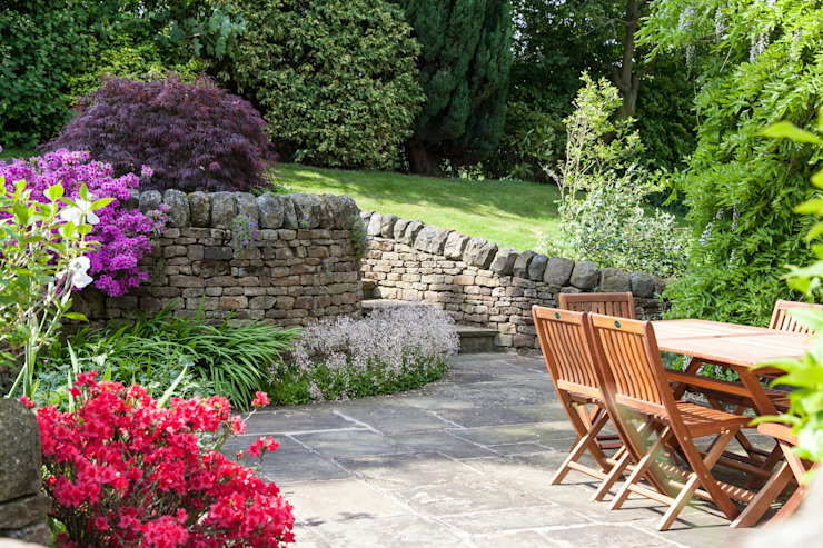 Retaining walls and steps Rustic style garden by Barnes Walker Ltd Rustic