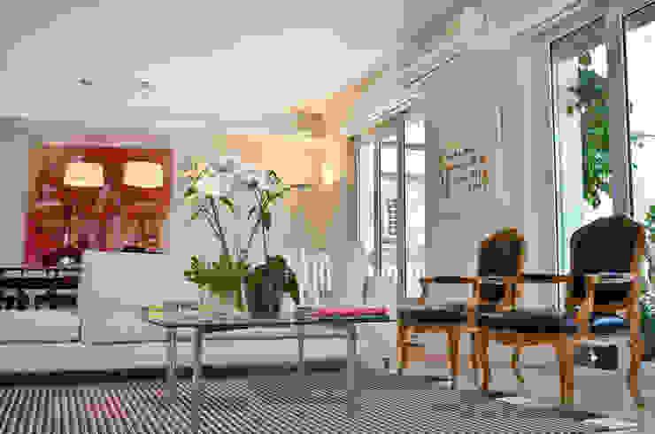 Salon moderne par GUTMAN+LEHRER ARQUITECTAS Moderne