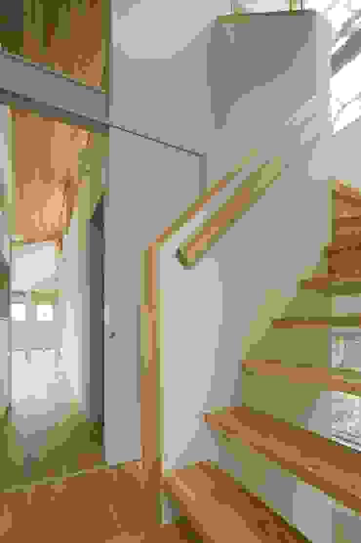 大府の二世帯住宅 和風の 玄関&廊下&階段 の 株式会社FAR EAST [ファーイースト] 和風