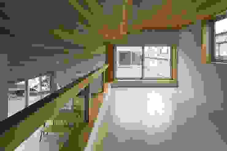 大府の二世帯住宅 和風デザインの 多目的室 の 株式会社FAR EAST [ファーイースト] 和風