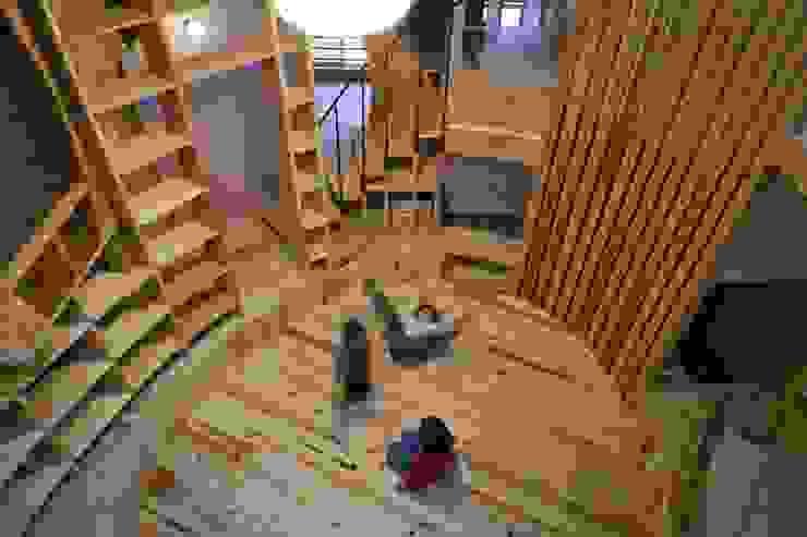 居間 '本丸' オリジナルデザインの リビング の 一級建築士事務所 東島鋭建築設計工房 オリジナル