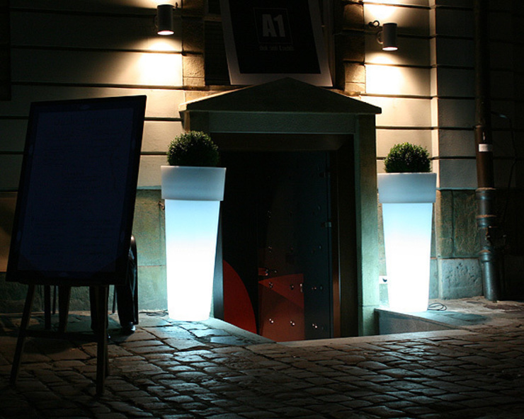 Donice podświetlane MARCANTONIO od Hydroponika - Wnętrz i zieleń Nowoczesny