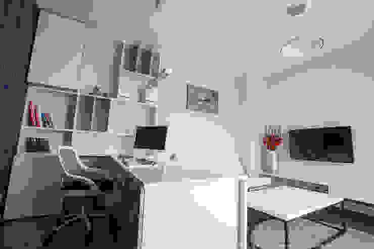 Рабочий кабинет в стиле модерн от LEMUR Architekci Модерн