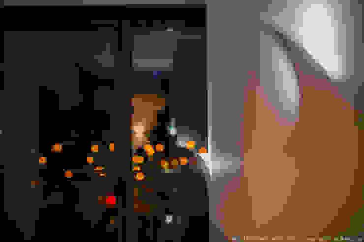 Portas e janelas modernas por LEMUR Architekci Moderno
