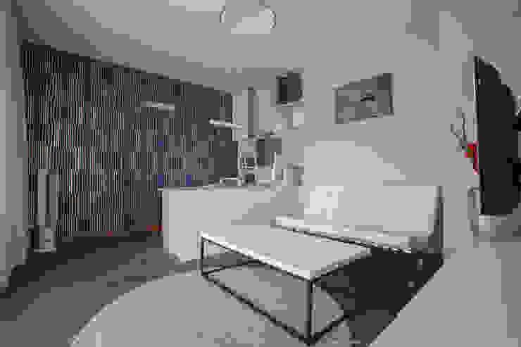 Salas de estar modernas por LEMUR Architekci Moderno