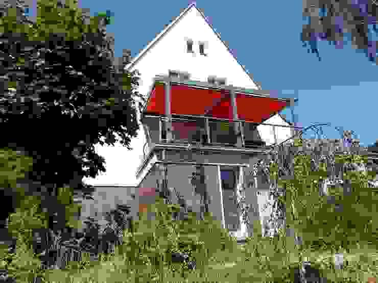 Giebelansicht und Terrasse Klassische Häuser von Schenning-Architekten Klassisch