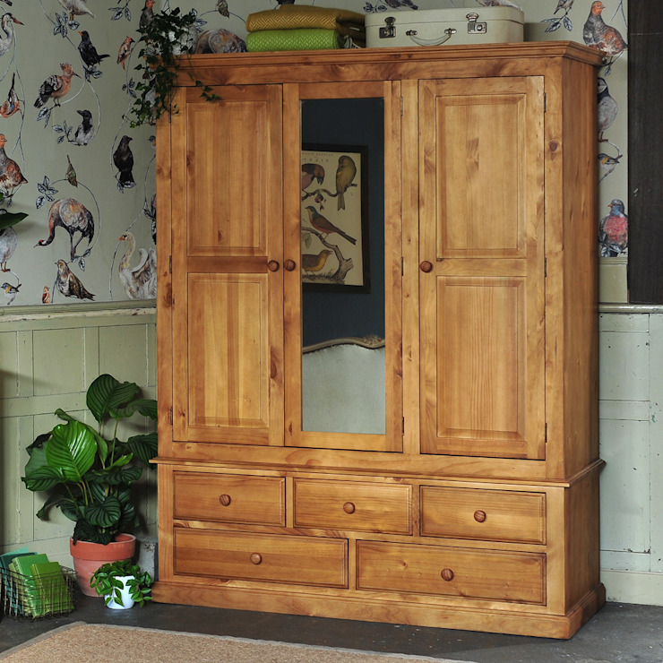 Langley Pine Triple Wardrobe The Cotswold Company BedroomWardrobes & closets