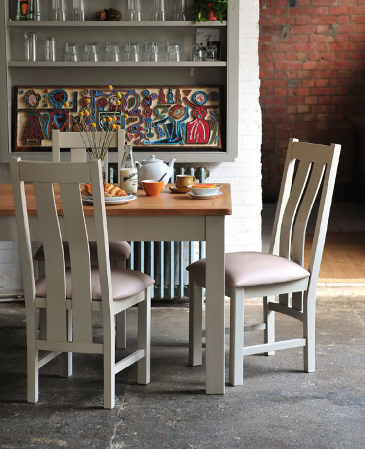 Lundy Stone Grey Extending Dining Table 140cm -180cm par The Cotswold Company Rural
