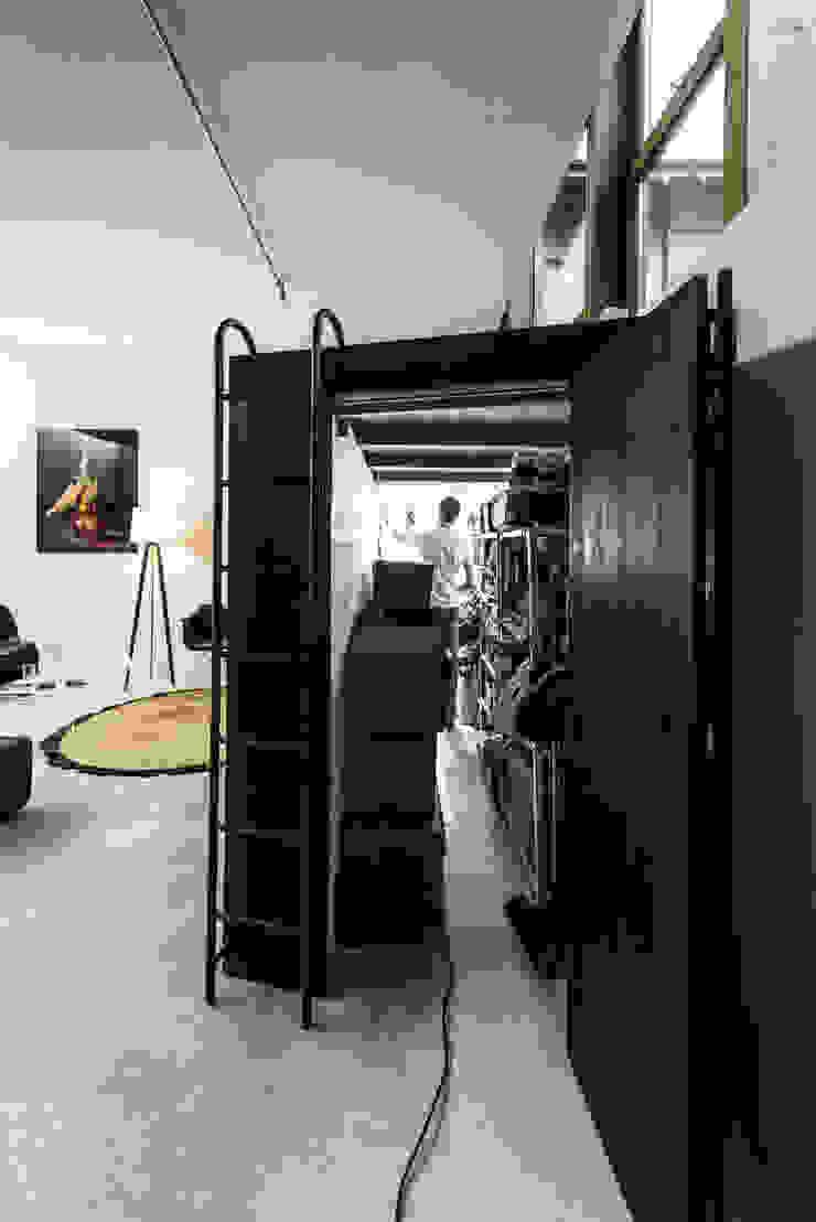 Till Könneker Garages & sheds