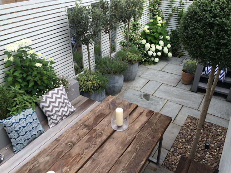 Slim & Subtle Rear Garden Modern style gardens by homify Modern