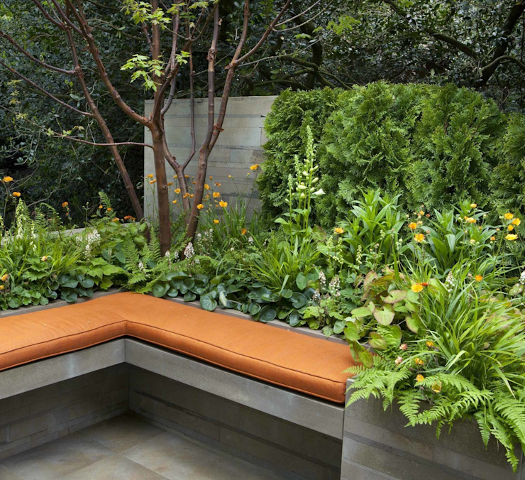 RHS Chelsea 2012 - Artisan Garden Mediterranean style garden by Ruth Willmott Mediterranean