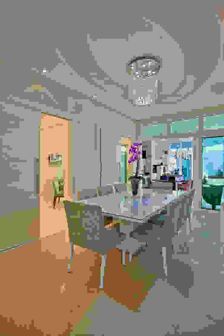 Casa Porto Seguro Salas de jantar modernas por Arquiteto Aquiles Nícolas Kílaris Moderno