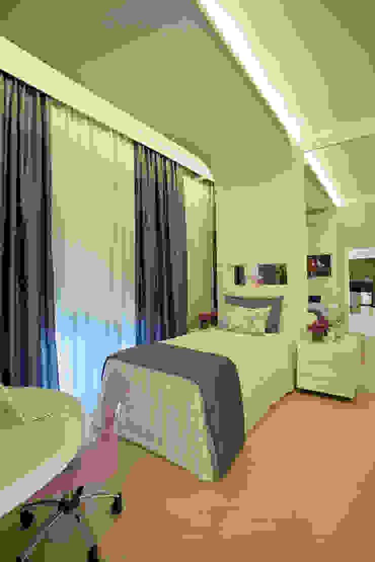 Casa Porto Seguro Quarto infantil moderno por Arquiteto Aquiles Nícolas Kílaris Moderno