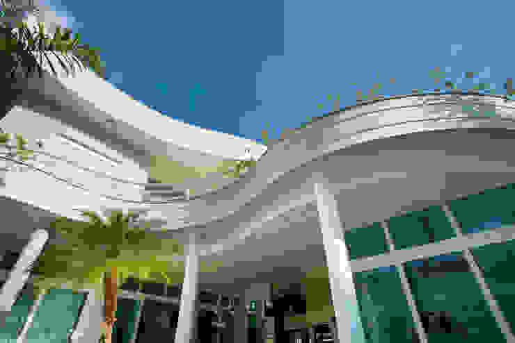 Casa Porto Seguro Casas modernas por Arquiteto Aquiles Nícolas Kílaris Moderno