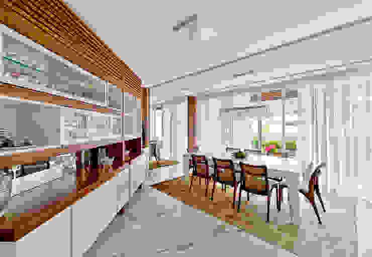 Phòng ăn theo Espaço do Traço arquitetura,