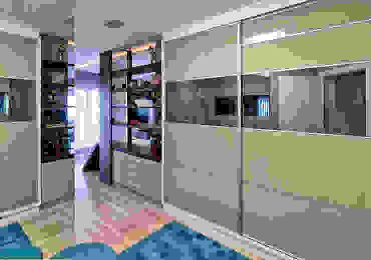 Moderne Ankleidezimmer von Espaço do Traço arquitetura Modern