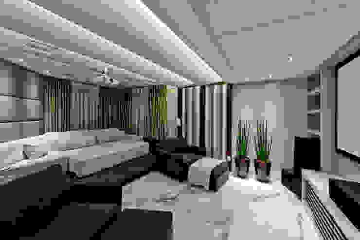 Moderner Multimedia-Raum von Espaço do Traço arquitetura Modern