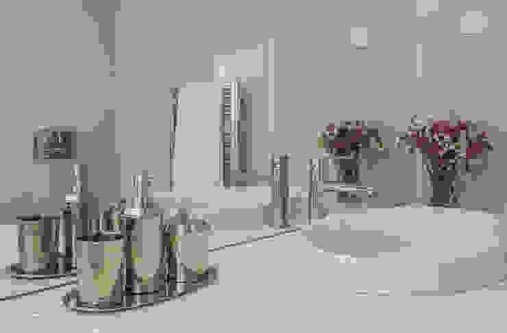 Bathroom by Filipa Cunha Interiores