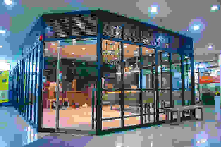 충정로 베이커리 & 카페: 플레전트빌 (Pleasant Ville)의 현대 ,모던