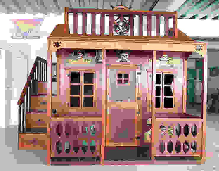 Divertida y hermosa casita  estilo pirata para niños:  de estilo colonial por Kids Wolrd- Recamaras Literas y Muebles para niños, Colonial