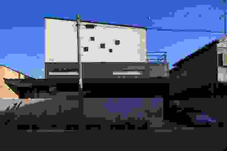 西側外観 モダンな 家 の MA設計室 モダン