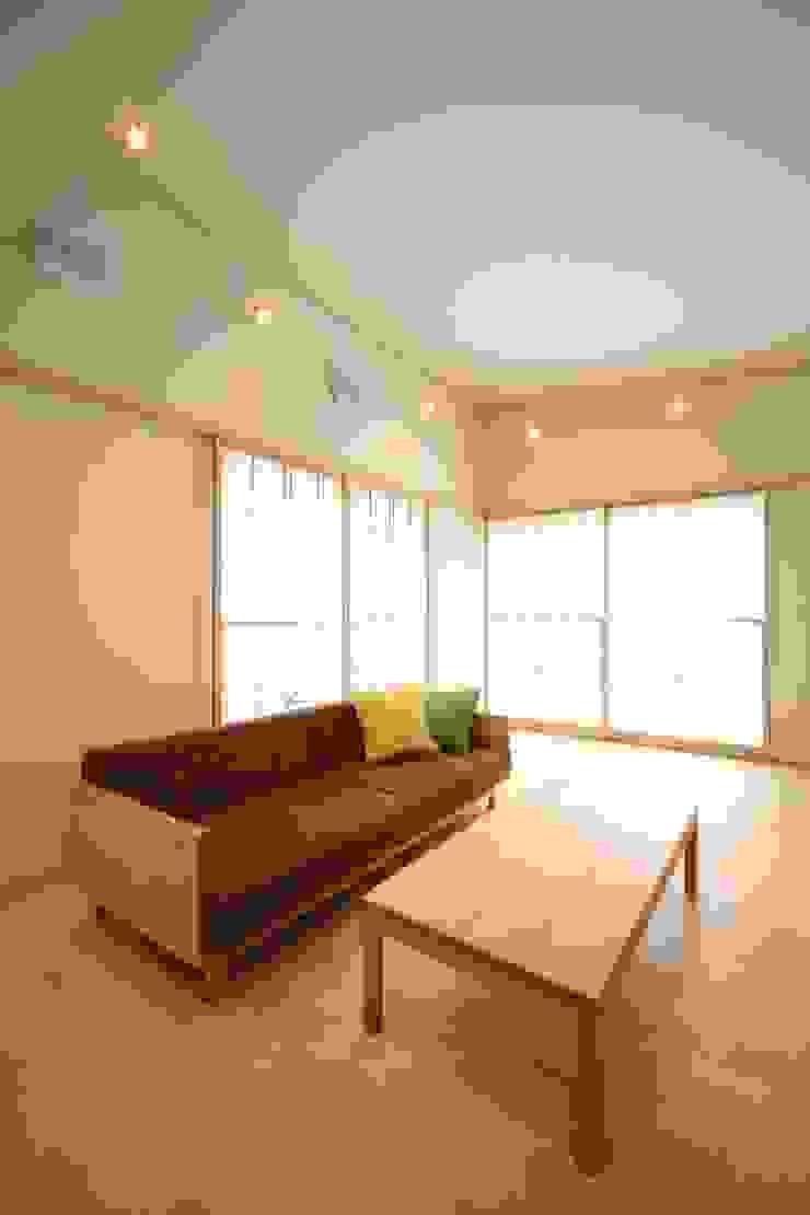 リビングルーム モダンデザインの リビング の MA設計室 モダン