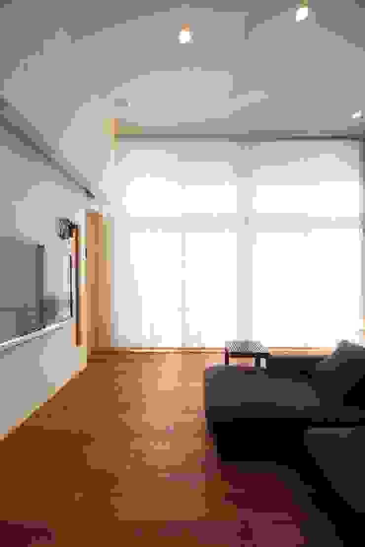 リビングル-ム モダンデザインの リビング の MA設計室 モダン