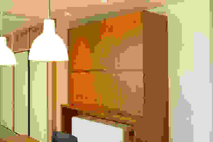 眺めのいい窓 オリジナルキッチン: アーキシップス古前建築設計事務所が手掛けた現代のです。,モダン
