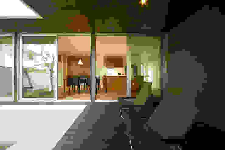 眺めのいい窓 デッキテラス モダンデザインの テラス の アーキシップス古前建築設計事務所 モダン