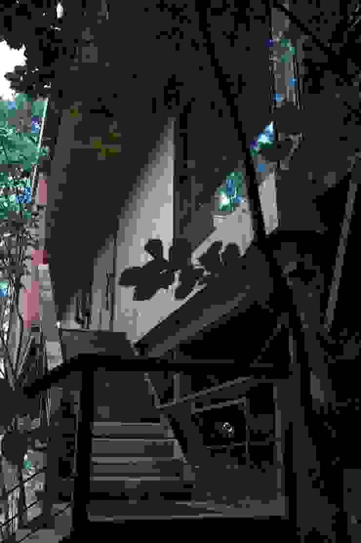 Sosohun KAWA Design Group Balcones y terrazas de estilo moderno