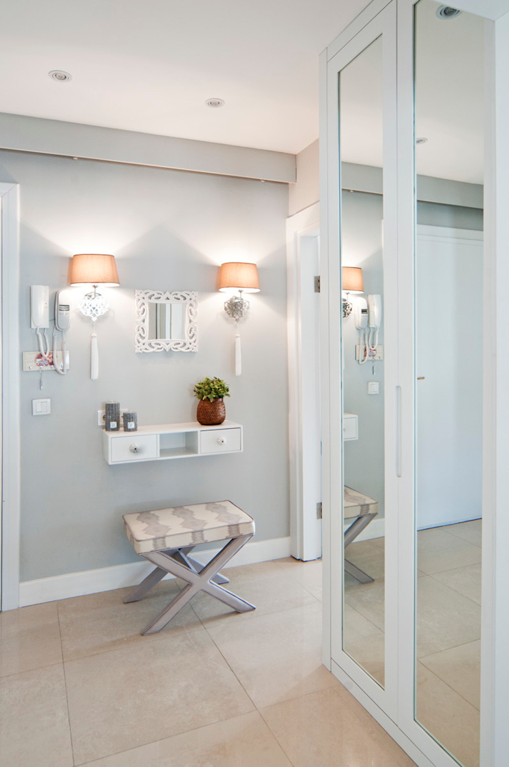Canan Delevi Corridor, hallway & stairsAccessories & decoration