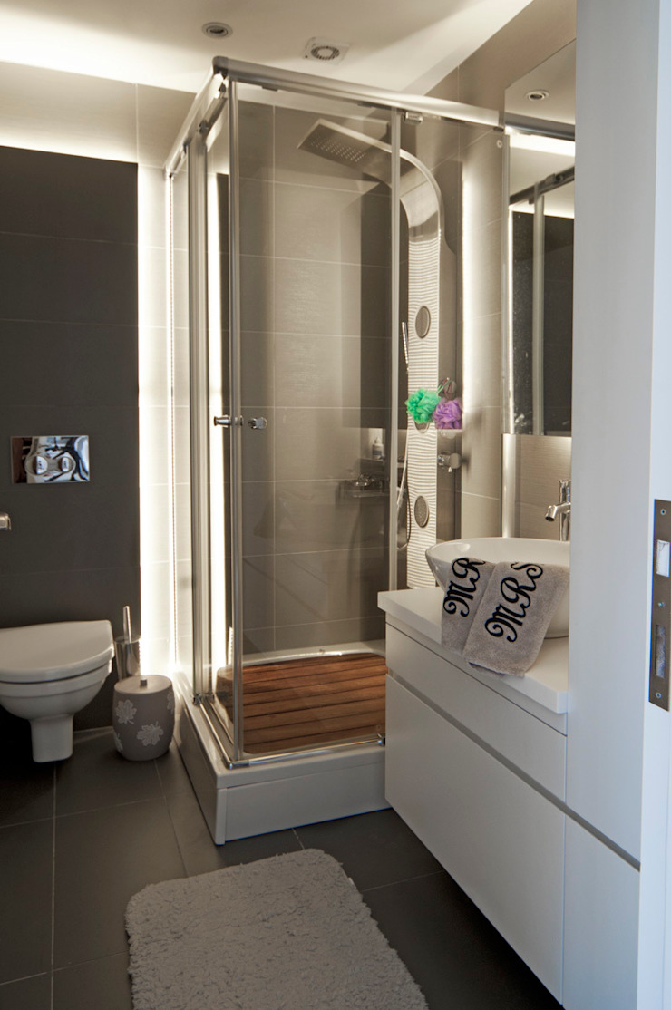 Canan Delevi BathroomBathtubs & showers