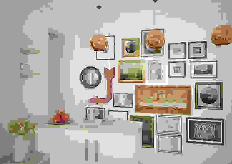 Гостиная в квартире на Ленинском проспекте Гостиные в эклектичном стиле от «Студия 3.14» Эклектичный