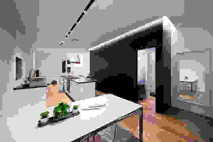 根據 23bassi studio di architettura 簡約風
