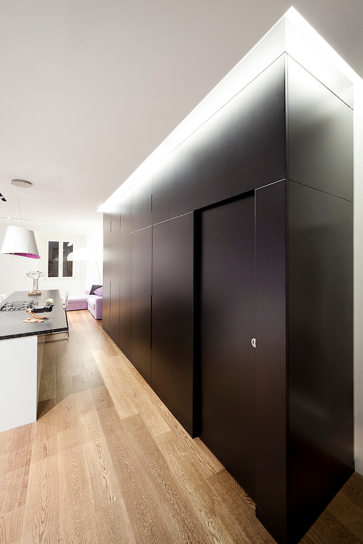 Salas de estilo minimalista de 23bassi studio di architettura Minimalista