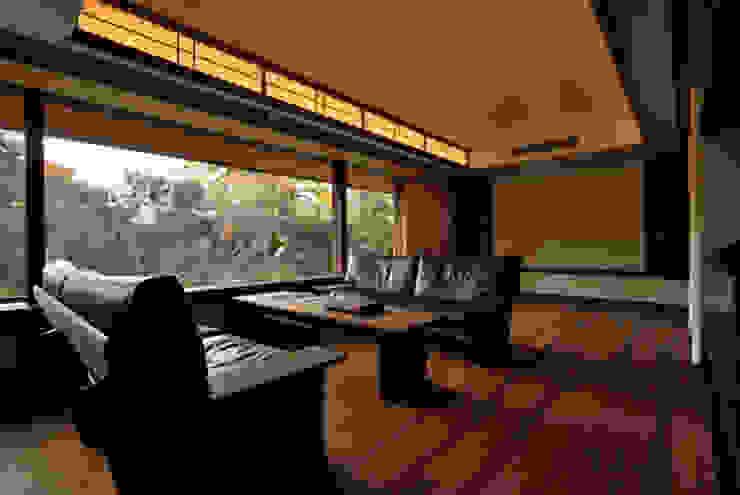 H2O設計室 ( H2O Architectural design office ) Ruang Keluarga Klasik