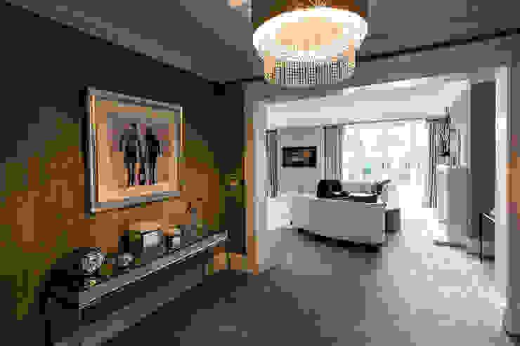 Master Bedroom Entrance Cuartos de estilo clásico de Luke Cartledge Photography Clásico