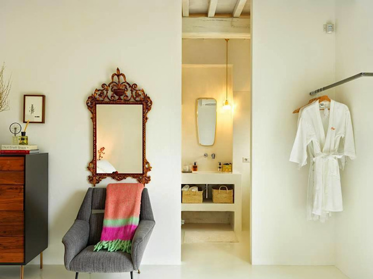 Minimalist bedroom by CASABELLA Minimalist