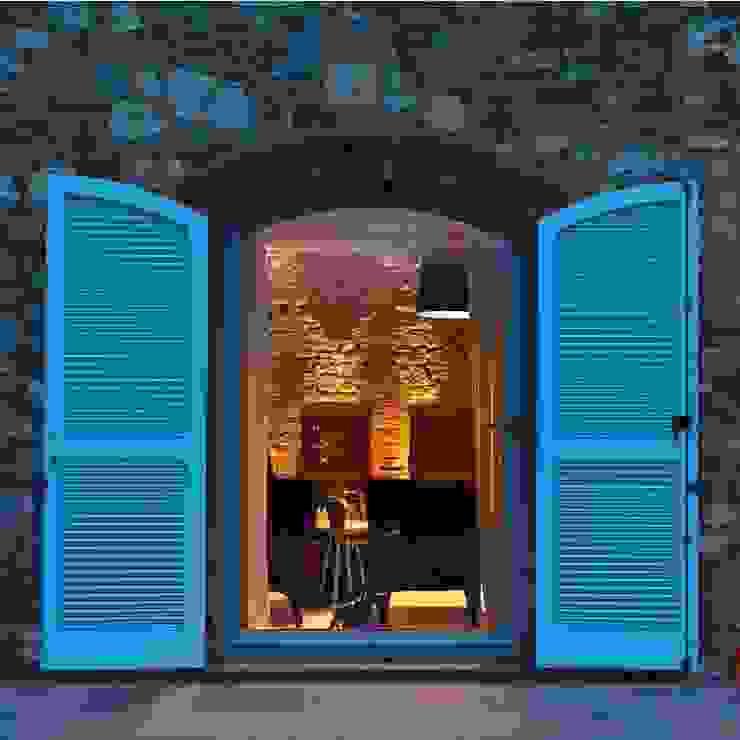 Locanda di Doris Case in stile minimalista di CASABELLA Minimalista