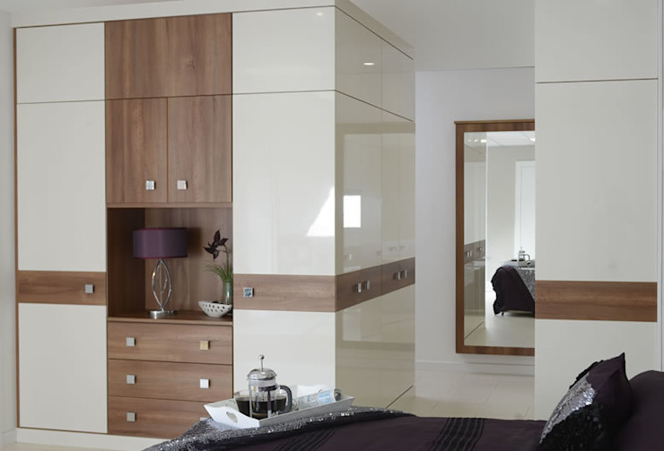 Chelsea Fitted Bedroom Furniture di Chase Furniture Moderno