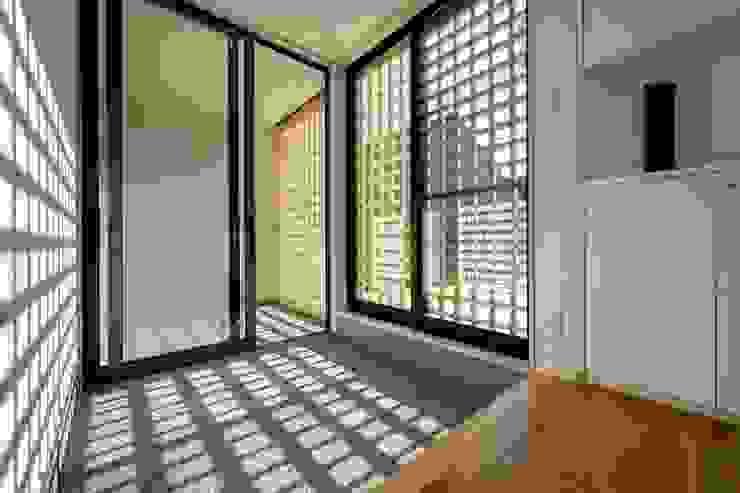 清洲の家 クラシカルスタイルの 玄関&廊下&階段 の 株式会社FAR EAST [ファーイースト] クラシック
