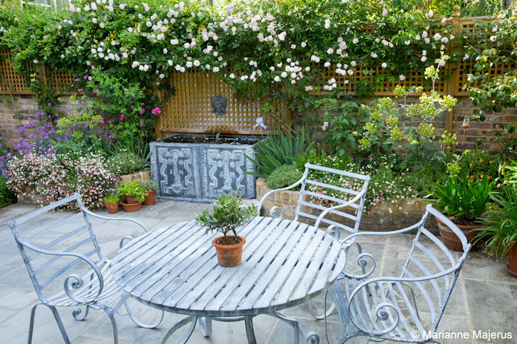 Terraced Courtyard Garden Design Classic style garden by homify Classic
