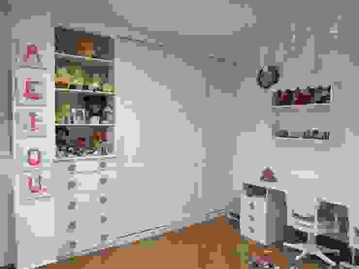 Armario lacado color lino de Muebles Los Pepotes Escandinavo