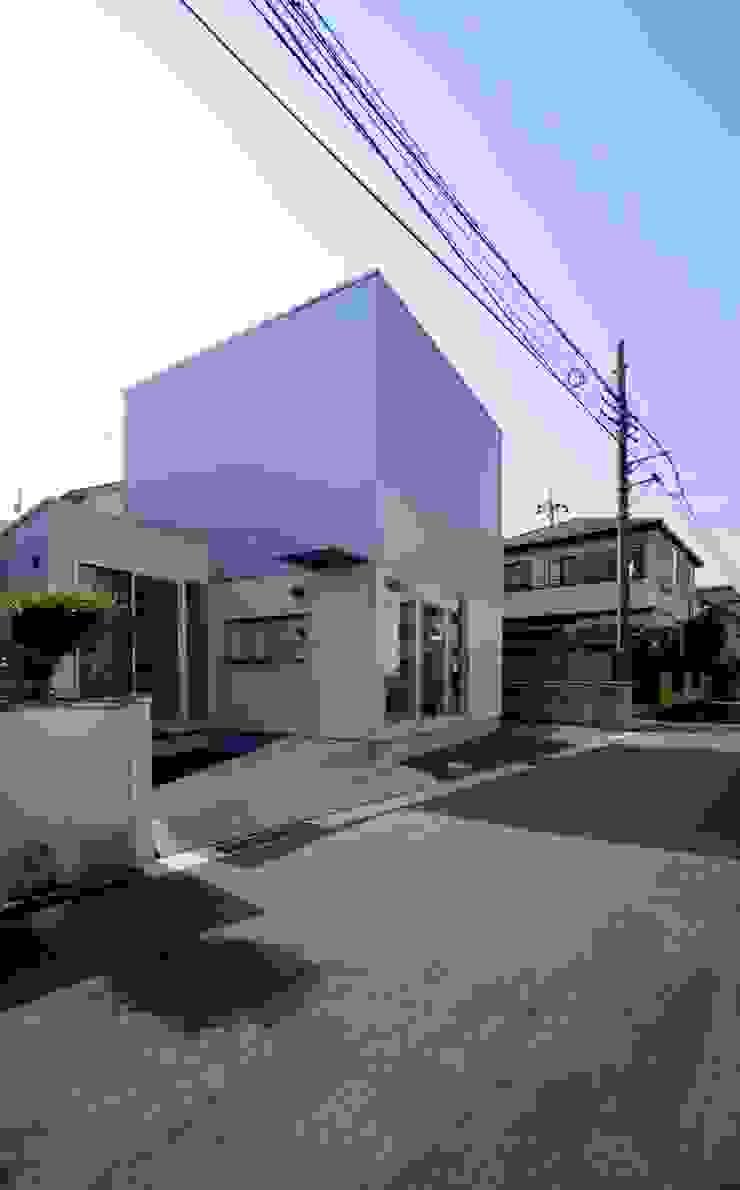 Casas modernas: Ideas, imágenes y decoración de 株式会社FAR EAST [ファーイースト] Moderno