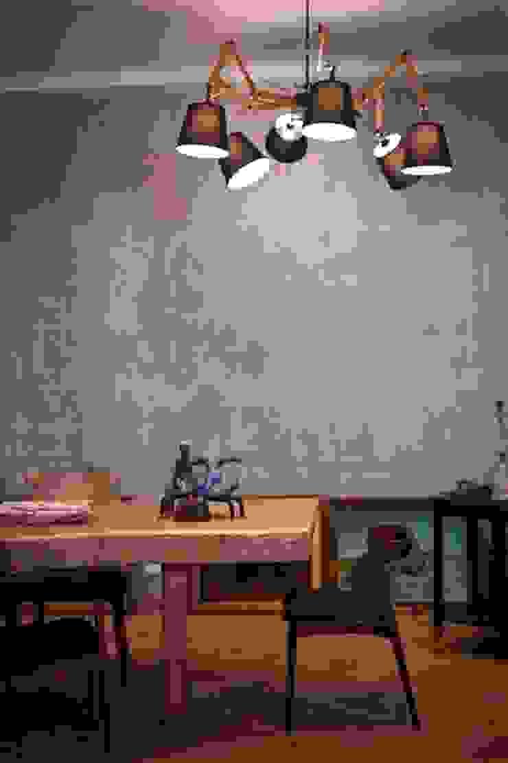 Частная квартира на Цветном Бульваре, г. Москва Столовая комната в эклектичном стиле от Дизайн-студия интерьера 'ART-B.O.s' Эклектичный