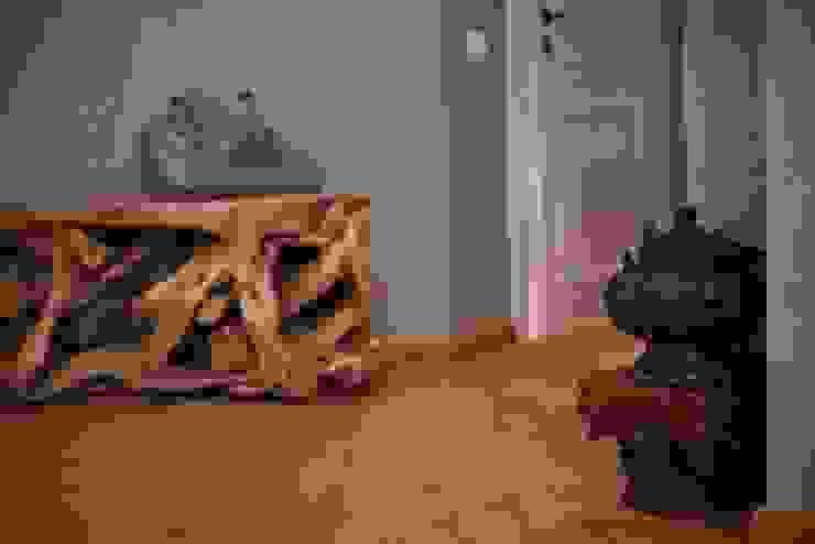 Частная квартира на Цветном Бульваре, г. Москва Коридор, прихожая и лестница в эклектичном стиле от Дизайн-студия интерьера 'ART-B.O.s' Эклектичный