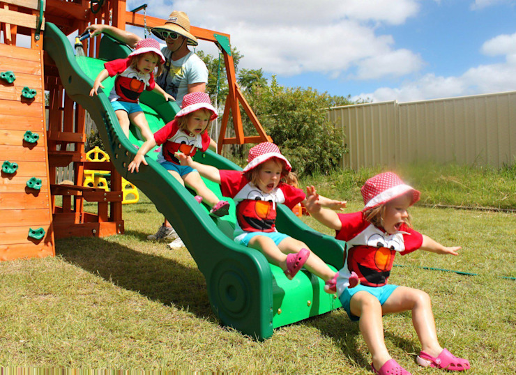Climbing Frame Slide and Photo Fun de Selwood Products Ltd Clásico